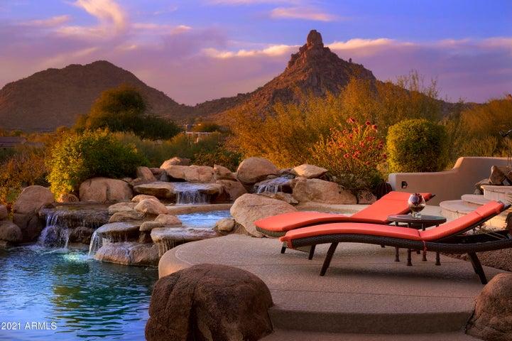 10596 E YEARLING Drive, Scottsdale, AZ 85255