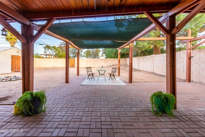 1019 S UNA Avenue, Tempe, AZ 85281