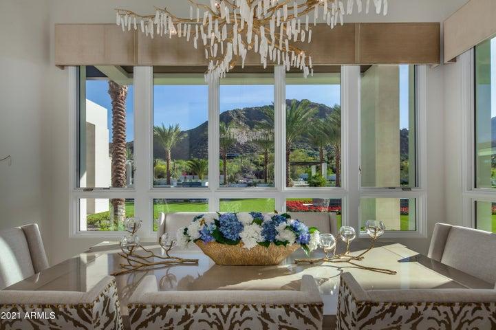 6111 N Nauni Valley Drive, Paradise Valley, AZ 85253