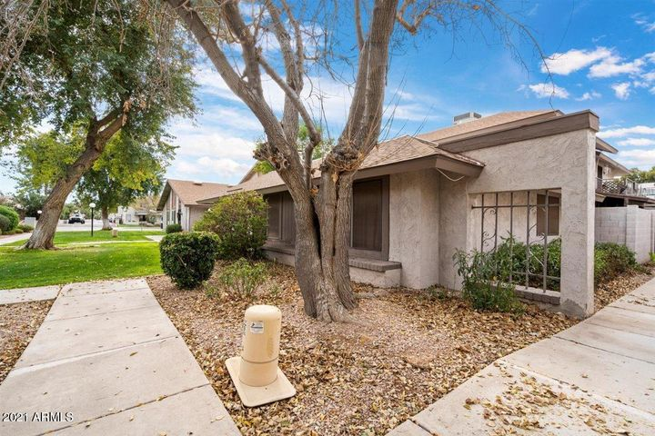 8426 E ROOSEVELT Street, Scottsdale, AZ 85257