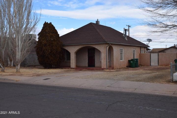 518 W ASPINWALL Street, Winslow, AZ 86047