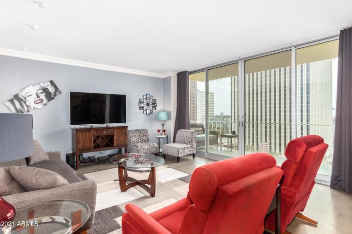 207 W CLARENDON Avenue, F9, Phoenix, AZ 85013