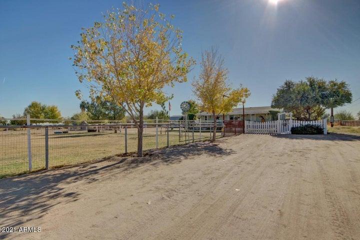 15531 W ORANGEWOOD Avenue, Litchfield Park, AZ 85340