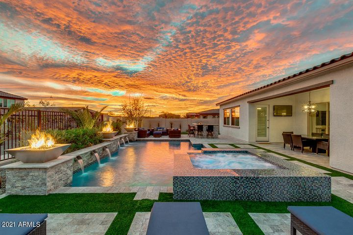 3803 E CAROB Drive, Gilbert, AZ 85298