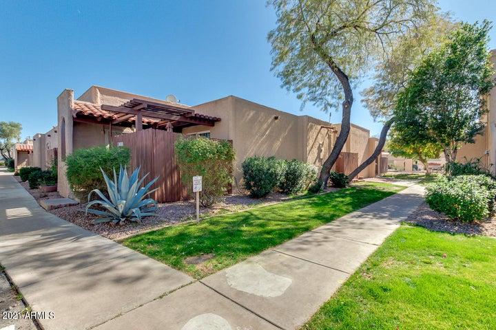 1027 E NORTHERN Avenue, Phoenix, AZ 85020