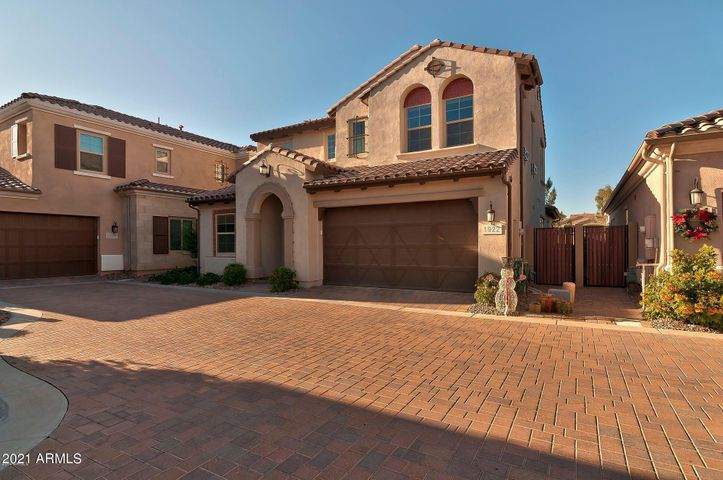 1922 W YELLOWSTONE Way, Chandler, AZ 85248