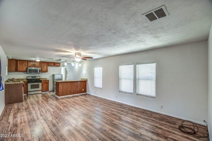 3957 E BAYWOOD Avenue, Mesa, AZ 85206