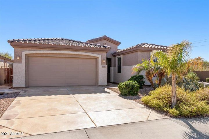 4015 E SOURWOOD Drive, Gilbert, AZ 85298