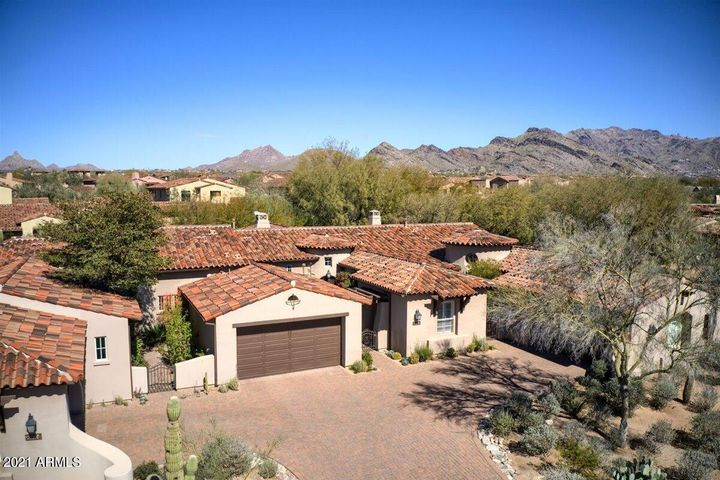 8942 E RUSTY SPUR Place, Scottsdale, AZ 85255