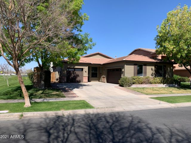 4022 E WASHINGTON Avenue, Gilbert, AZ 85234
