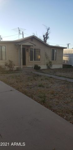 206 N PALM Street, Gilbert, AZ 85234