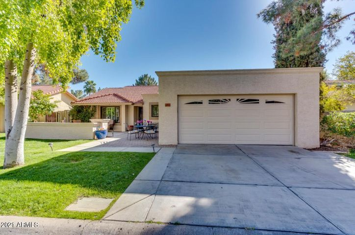 301 E PINON Way, Gilbert, AZ 85234