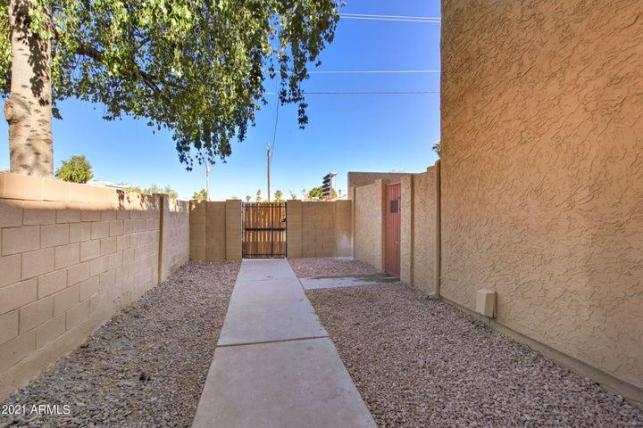 948 S ALMA SCHOOL Road, 2, Mesa, AZ 85201