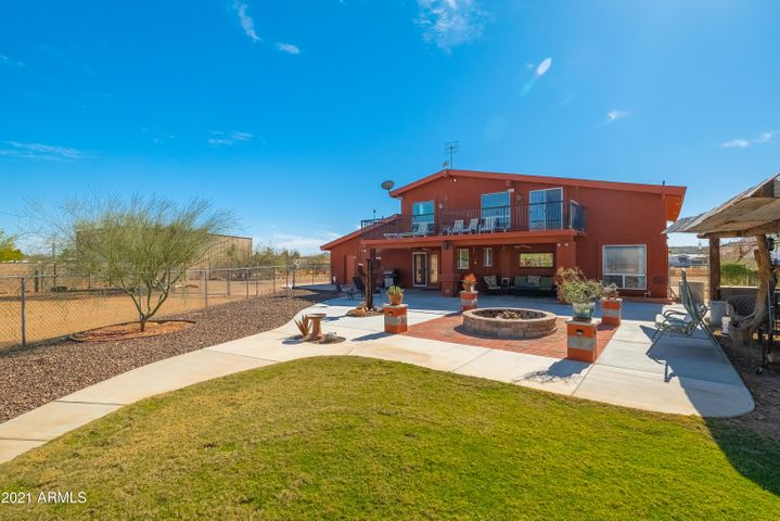 906 W CARLISE Road, Phoenix, AZ 85086