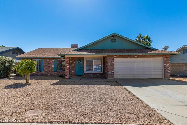 2527 E CARMEL Avenue, Mesa, AZ 85204