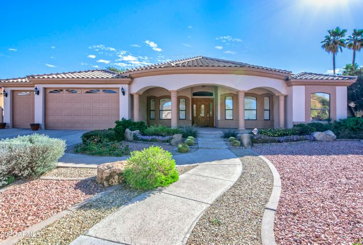 Moon Valley Area lies in between 3 mountains. Gorgeous area with many amenities! NO HOA!