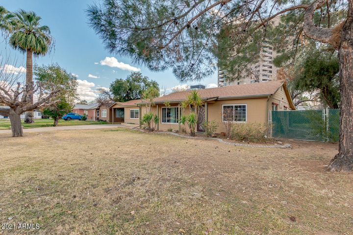 1023 E WHITTON Avenue, Phoenix, AZ 85014