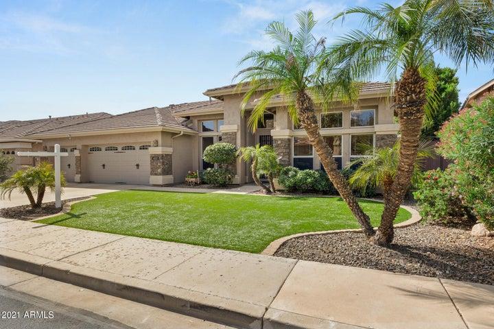 6527 W Robin Lane, Glendale, AZ 85310