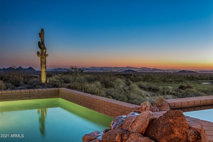 10827 E GRAYTHORN Drive, Scottsdale, AZ 85262
