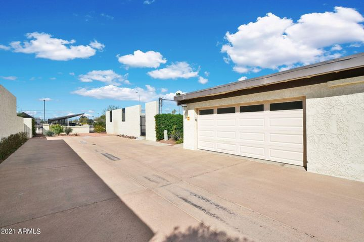 2561 N MILLER Road, Scottsdale, AZ 85257