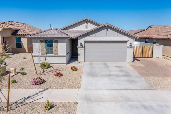 18244 W ROBIN Lane, Surprise, AZ 85387