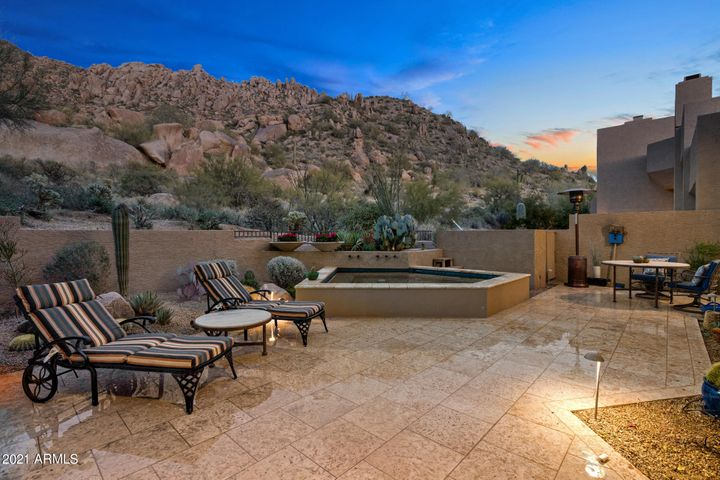 Extremely private w/million dollar views!