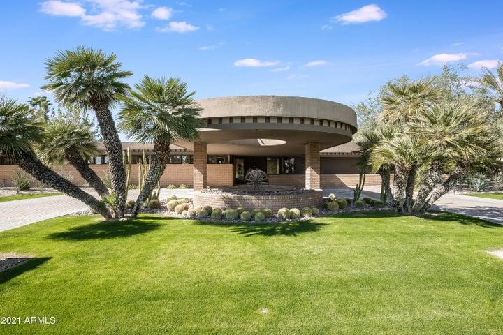 54 Biltmore Estates Drive, Phoenix, AZ 85016