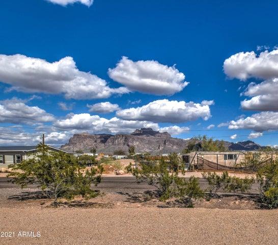 160 S Acacia Road, Apache Junction, AZ 85119