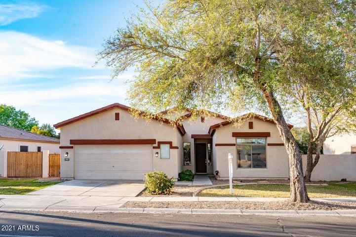 4104 E REINS Road, Gilbert, AZ 85297