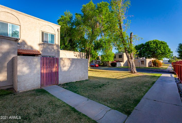 4254 N 68TH Lane, Phoenix, AZ 85033