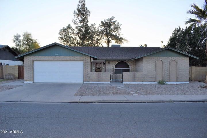 1809 S BEVERLY Street, Mesa, AZ 85210