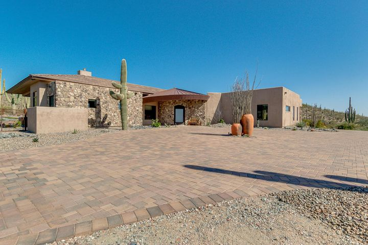 41909 N FLEMING SPRINGS Road, Cave Creek, AZ 85331