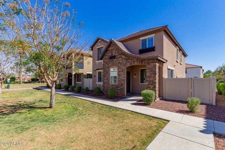 3950 E LESLIE Drive, Gilbert, AZ 85296