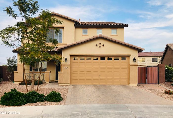 Beautiful home with RV gate