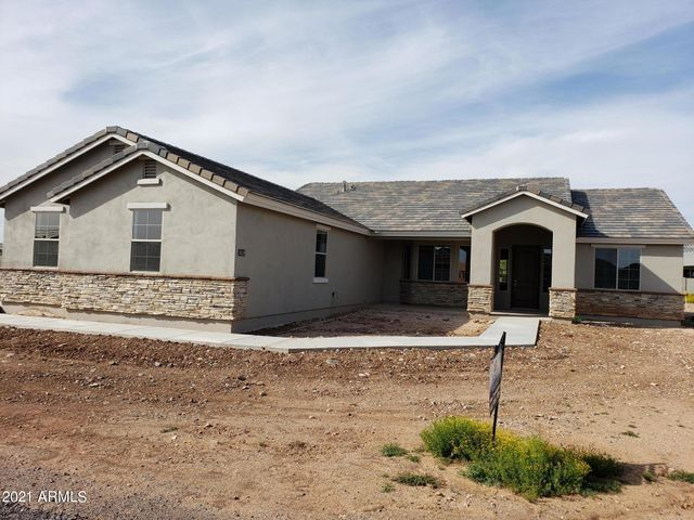 PICTURES ARE OF A PREVIOUS BUILT 3025 PLAN AND MAY CONTAIN UPGRADES NOT INCLUDED IN THIS SPEC