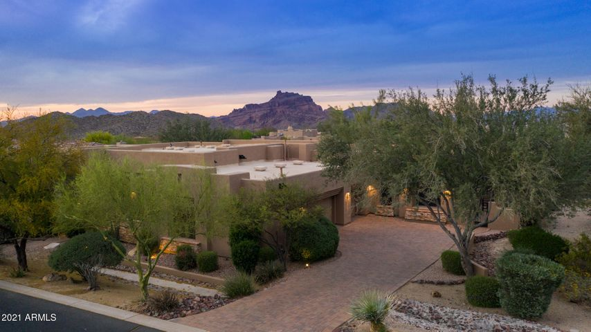 Located in Sought After Gated Las Sendas