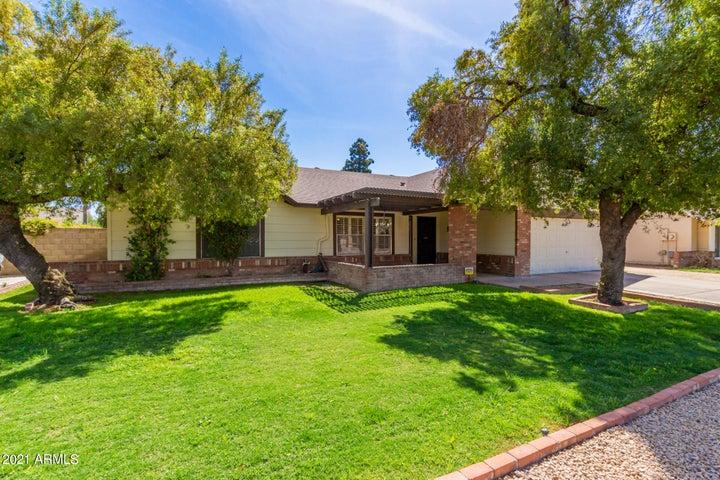 6413 W SUNNYSIDE Drive, Glendale, AZ 85304
