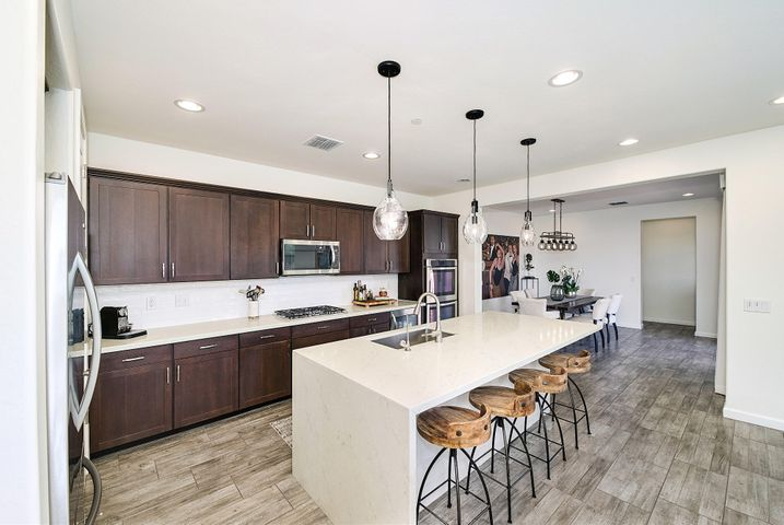 18549 N 94th Street, Scottsdale, AZ 85255