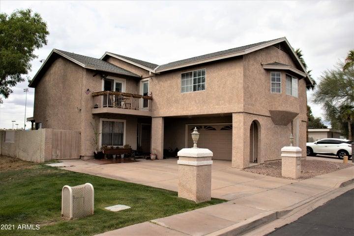 1950 S SAGUARO Circle, Mesa, AZ 85202