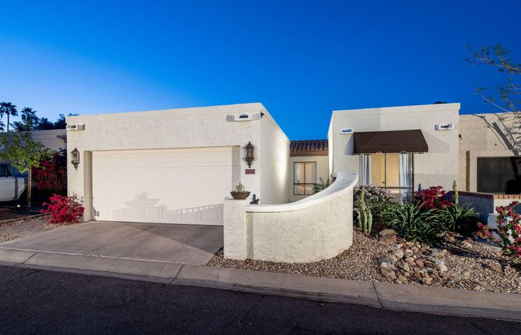 4620 E DESERT Drive, Phoenix, AZ 85044