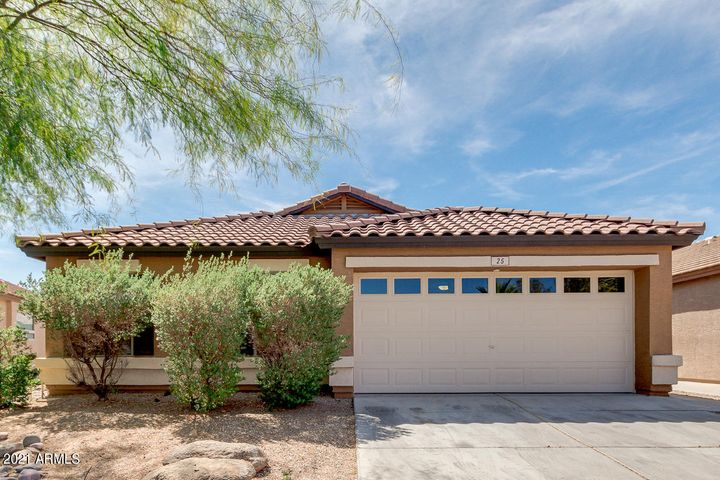 25 W CANYON ROCK Road, San Tan Valley, AZ 85143