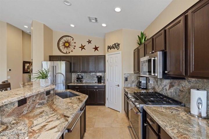 6297 S GINTY Drive, Gold Canyon, AZ 85118