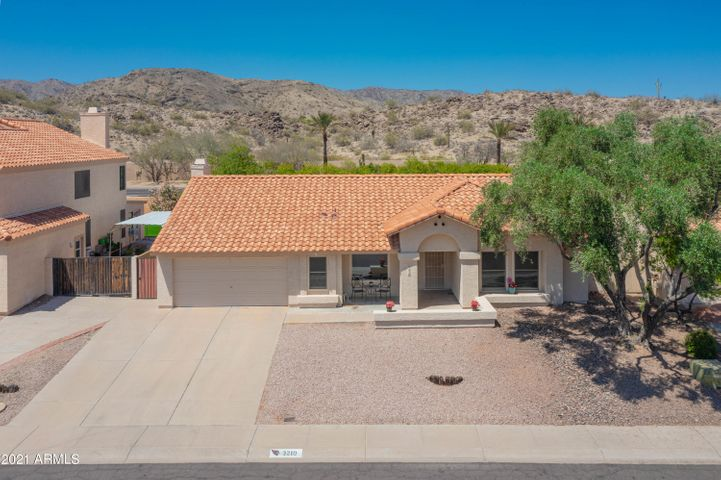 3210 E DRY CREEK Road, Phoenix, AZ 85044