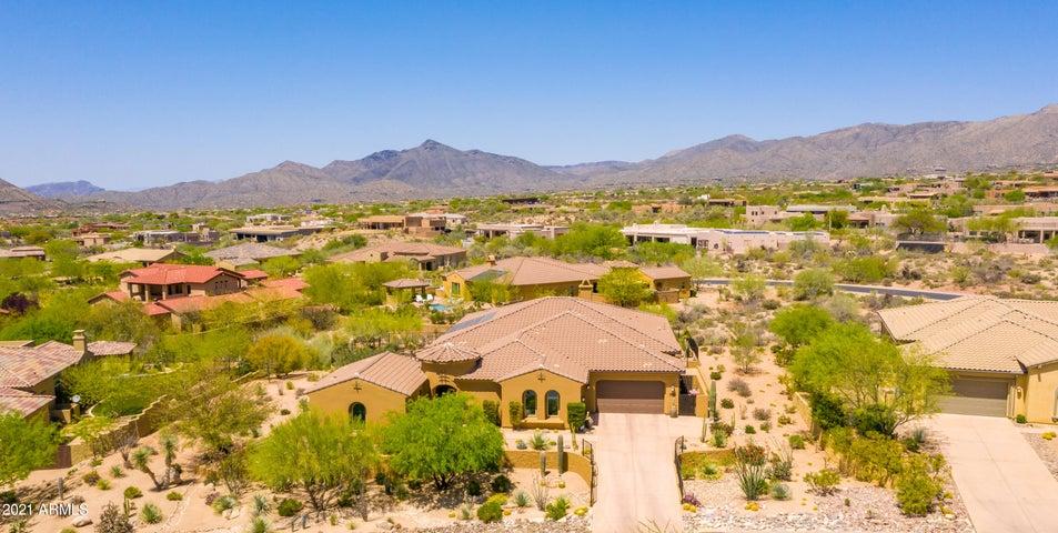 10876 E CELESTIAL Drive, Scottsdale, AZ 85262