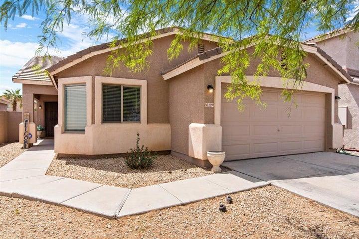 2597 E SILVERSMITH Trail, San Tan Valley, AZ 85143
