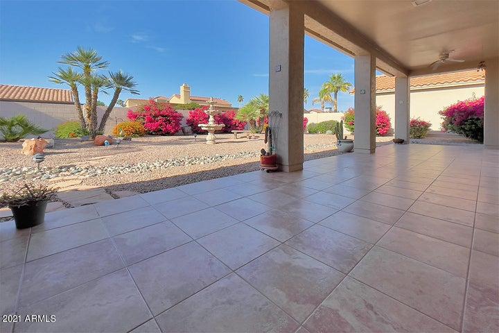 10424 E ELMHURST Drive, Sun Lakes, AZ 85248