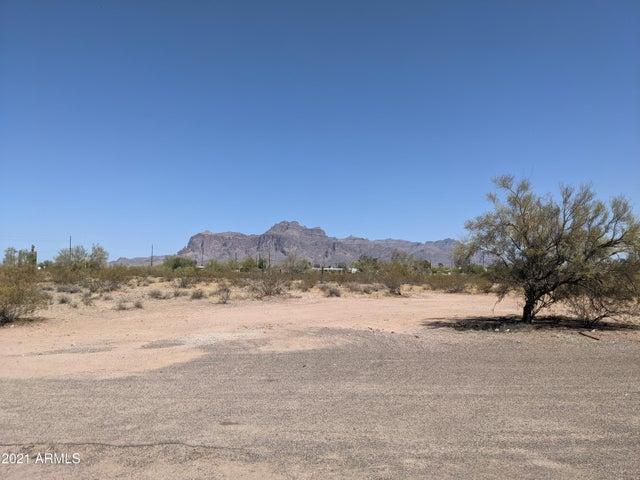 626 N COLT Road, Apache Junction, AZ 85119
