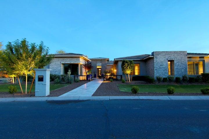 2675 E HUMMINGBIRD Way, Gilbert, AZ 85297