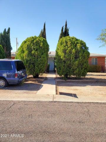 83 E JAMES Drive, Sierra Vista, AZ 85635