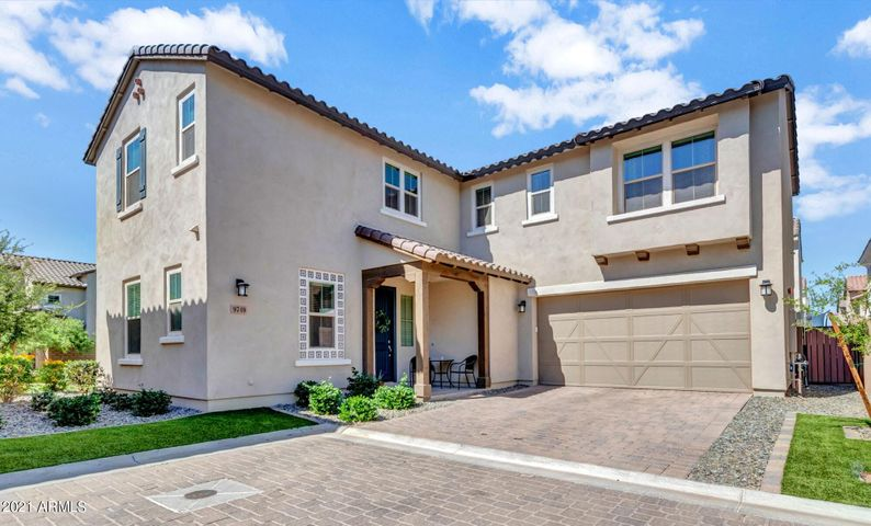 9749 E AXLE Avenue, Mesa, AZ 85212